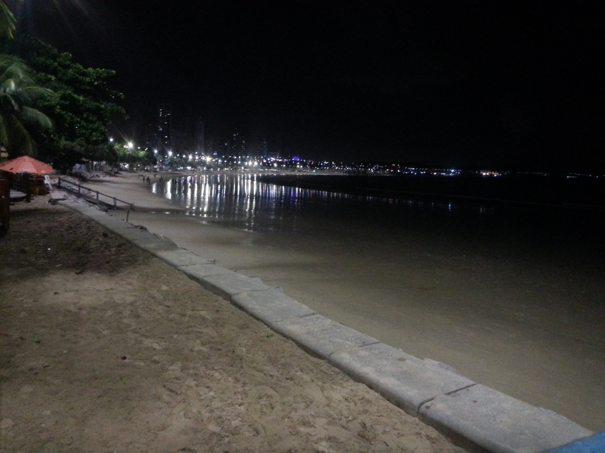 picture of Natal's beach at night